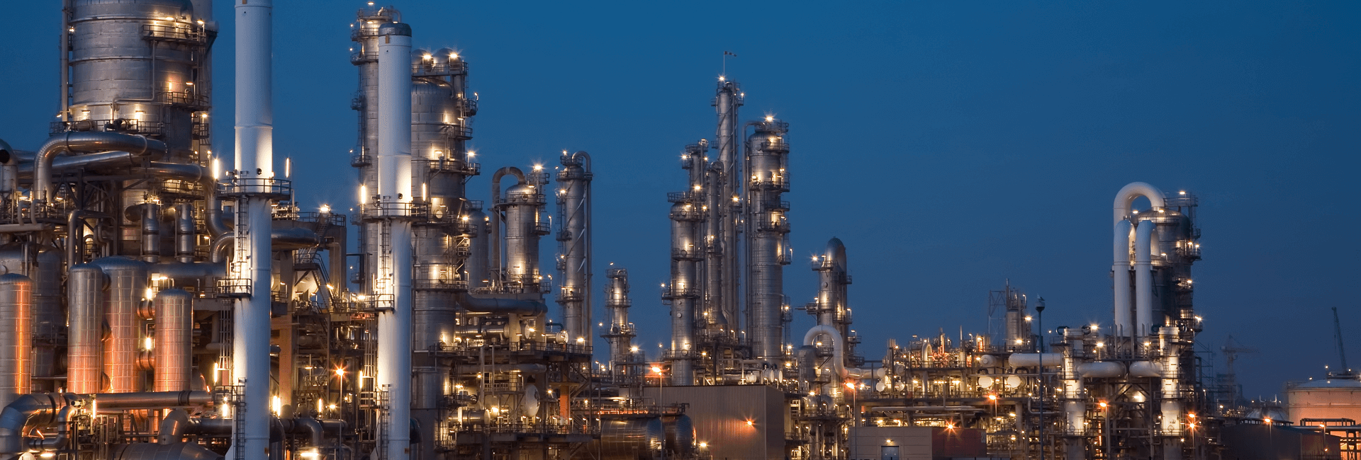 01g-11-Chemical-plant-have-a-wide-range-of-needs-for-corrosion-protection-on-equipment-and-piping---shutterstock_55078852-background-thin